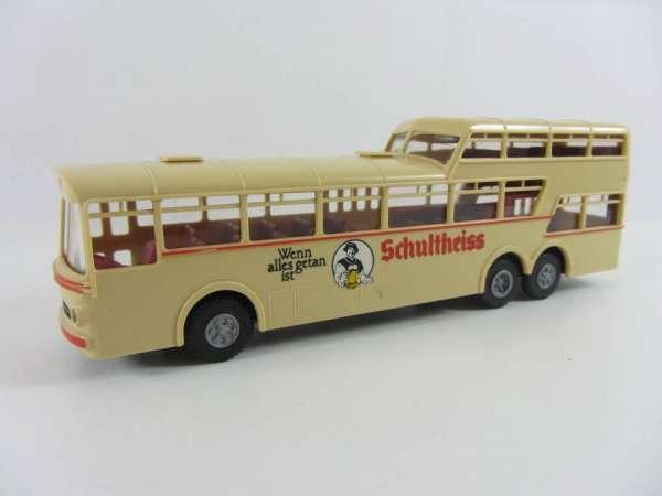 Brekina 1:87 Mercedes-Bus Schultheiss Bier, sehr guter Zustand, mit OVP