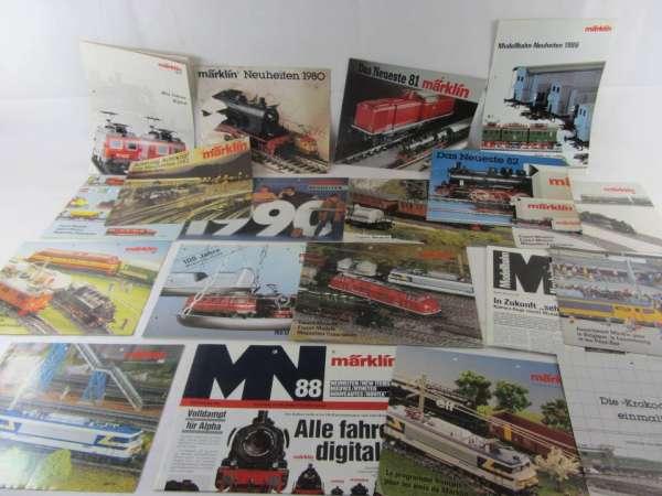 ca.20 alte Märklin Export- und Neuheiten-Hefte, gebraucht aber gut