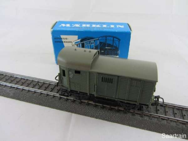 Märklin 4600 Güterzug Gepäckwagen grün gebraucht mit blauer Originalverpackung