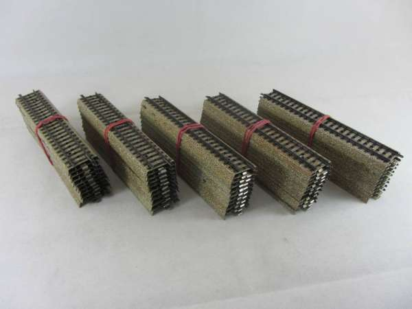 Märklin 5106 50 Stück gerades M-Gleis, gebraucht, guter Zustand, ohne Verpackung