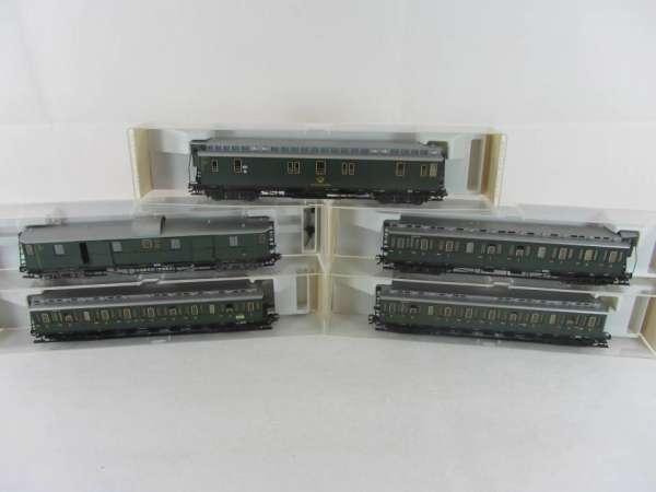 Fleischmann 5687-5690 4-achs Abteilwagen-Set der DR, sehr gut mit OVP