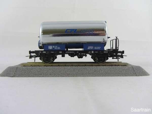 Basis ROCO Kesselwagen chrom blau mit Beschriftung CFL Cargo mit Verpackung