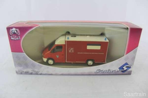 1:50 Solido 3153 Feuerwehr Renault Master + Celllule
