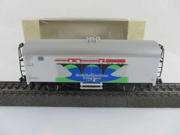 Basis ROCO Werbewagen mit Beschriftung Modellbahnzentrum Schluchsee, AC