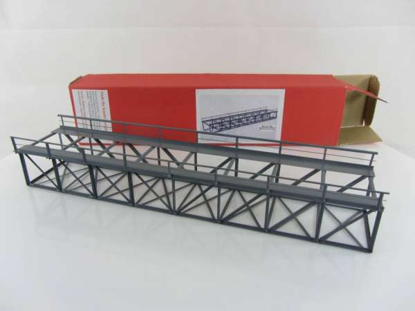 HACK Brücke K32 Kastenbrücke HO, Metall, neuwertiger Zustand mit OVP