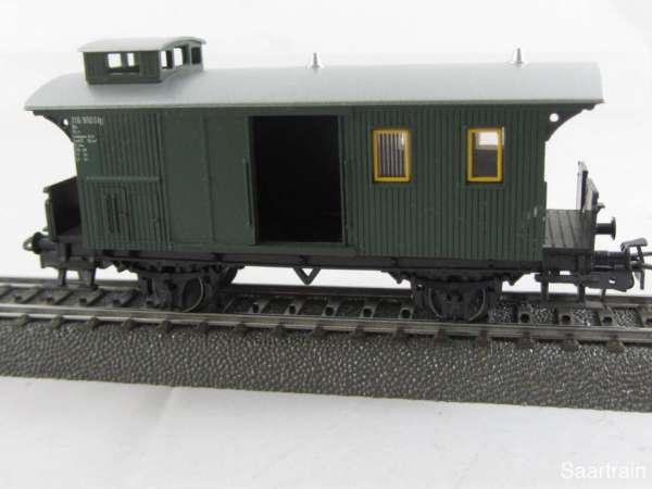Märklin 4038 Gepäckwagen in grün 2 achsig sehr guter Zustand ohne Verpackung