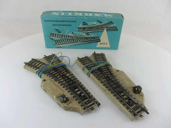 Märklin 5117 Weichen-Paar r 360 mm für M-Gleis, guter Zustand, mit Verpackung