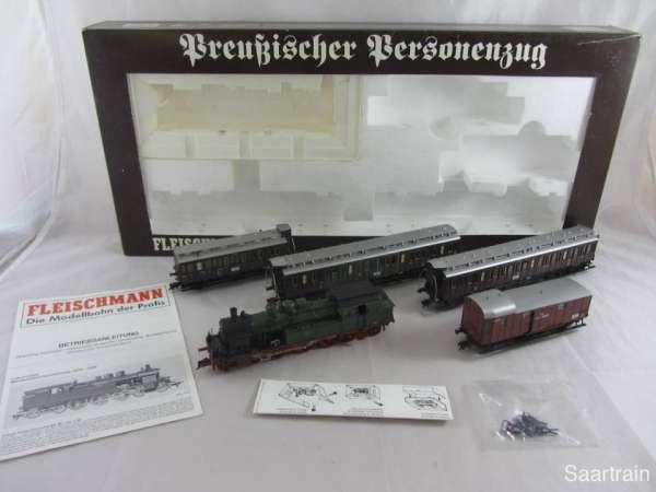 Fleischmann 1890 Preußischer Personenzug Lok und 4 Personenwagen Wechselstr