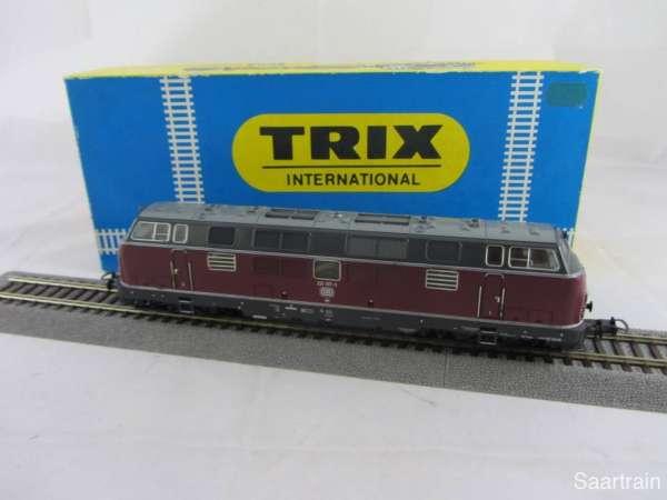 Trix 52 2456 00 Diesellok Br 221 137 3 der DB in rot Digital sehr gut mit OVP
