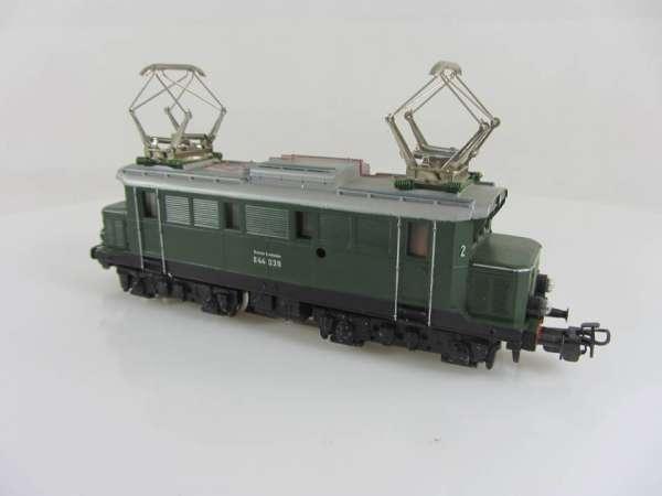 Märklin 3011 Baureihe E 44 039 der DB in grün, sehr guter Zustand ohne Verpackung