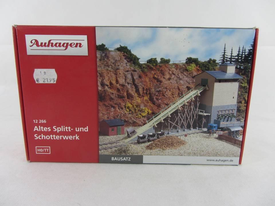 Auhagen HO//TT 12256 Tore mit Häuserzubehör Neu /& OVP