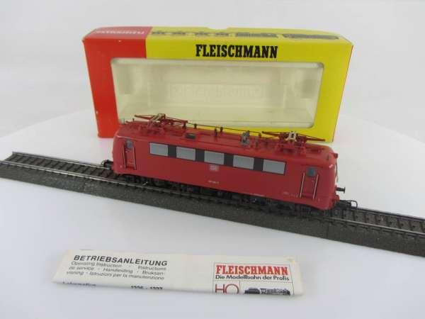 Fleischmann 1327 Elektrolokomotive (II) Br. 141 414-3 der DB in rot, AC, sehr gut mit OVP