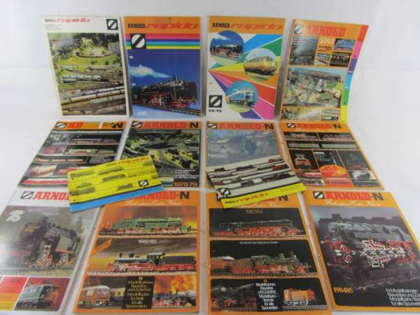 14 alte Arnold Kataloge 1972-84/85 + Neuheitenblätter, guter Zustand
