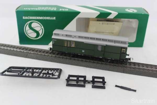 Sachsenmodelle 14221 Packwagen der DB grün, 3-Leiter-Achsen, sehr guter Zustand mit Ovp