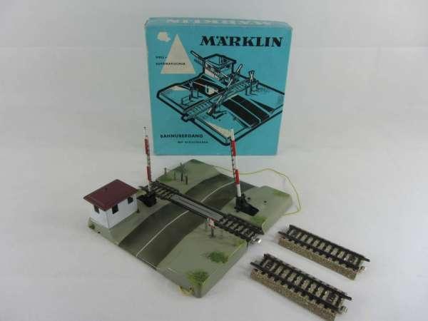 Märklin 7192 elektrischer Bahnübergang für M-Gleis, gebraucht guter Zustand, mit OVP
