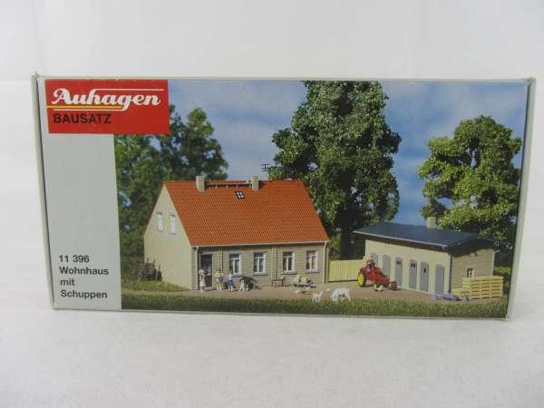 Auhagen 11396 HO-Bausatz Wohnhaus mit Schuppen 1:87 neu und mit Verpackung