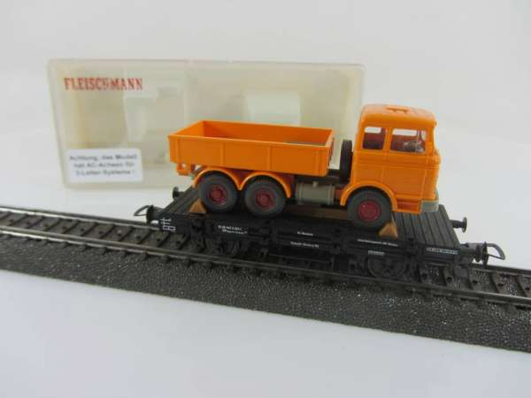 Fleischmann 5219 Güterwagen mit Wiking-LKW, mit AC-Achsen und OVP